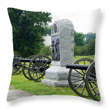 Cannons At Gettysburg Throw Pillow
