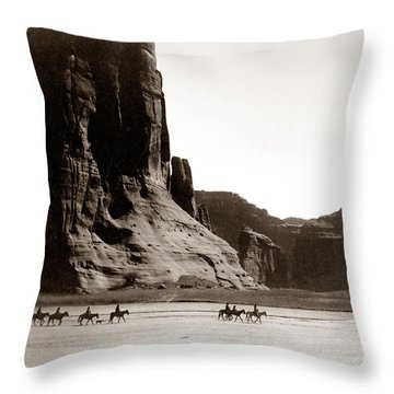 Canonde Chelly Az 1904 Throw Pillow by Edward S Curtis