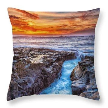 Cape Arago Crevasse Hdr Throw Pillow