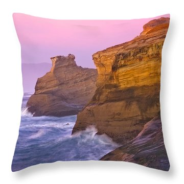Cape Kiwanda At Sunset Throw Pillow by Patricia Davidson