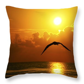 Capturing Paradise Throw Pillow