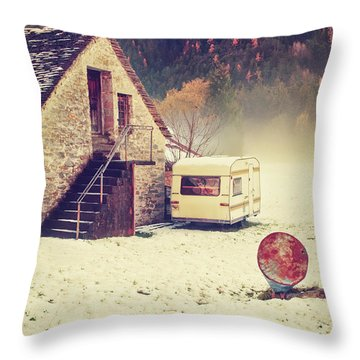 Caravan In The Snow With House And Wood Throw Pillow
