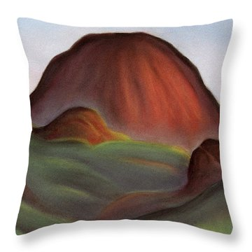 Cathedral Rock Warrumbungle National Park Nsw Throw Pillow