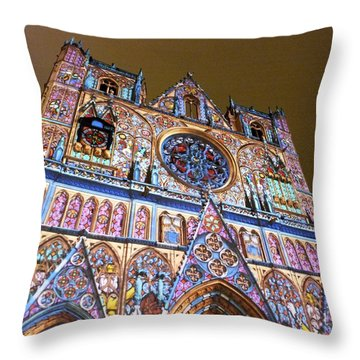 Cathedrale Saint-jean Illuminee Throw Pillow
