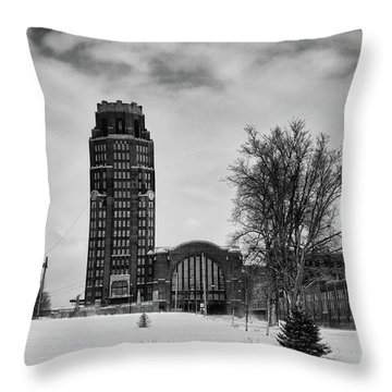 Central Terminal 4431 Throw Pillow