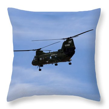 Ch-46 Vietnam Era Paint Throw Pillow