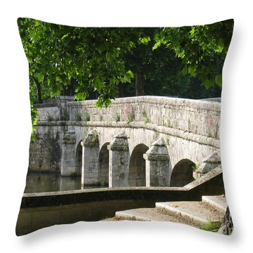 Chateau Chambord Bridge Throw Pillow