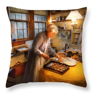 Chef - Kitchen - Coming Home For The Holidays Throw Pillow by Mike Savad