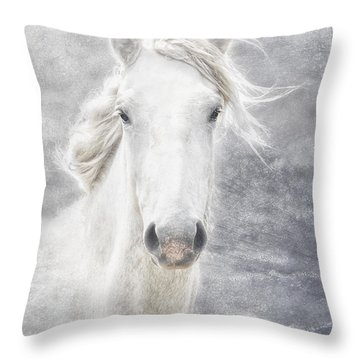 cheval de la Camargue Throw Pillow