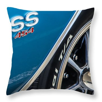 Chevelle Ss 454 Badge Throw Pillow