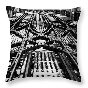 Chicago 'l' Tracks Winter Throw Pillow