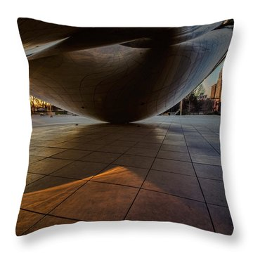 Chicago's Cloudgate Just As The Sun Appears Over The Horizon Throw Pillow