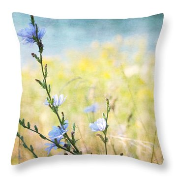 Throw Pillow featuring the photograph Chicory By The Beach by Peggy Collins