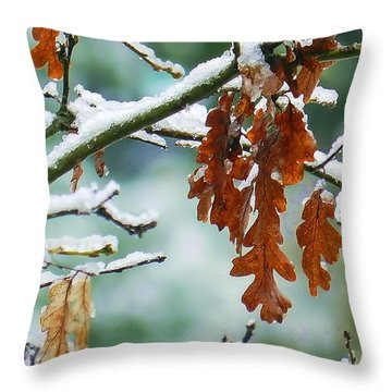 Chilly Oaks Throw Pillow