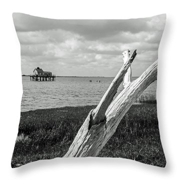 Chincoteague Oystershack Bw Vertical Throw Pillow
