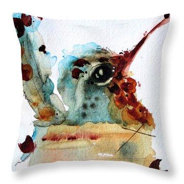Chloe Nesting Throw Pillow