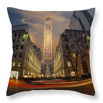 Christmas At Rockefeller Center Throw Pillow by Susan Candelario