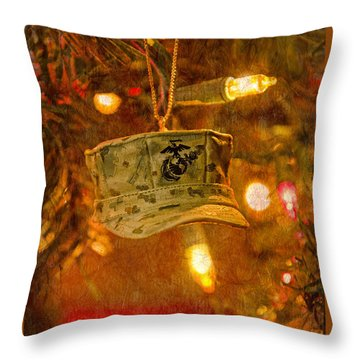 Christmas Cover  Throw Pillow by Susan  McMenamin