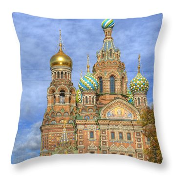 Church Of The Saviour On Spilled Blood. St. Petersburg. Russia Throw Pillow