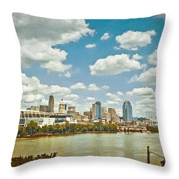 Cincinnati 4 Throw Pillow