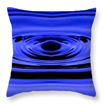 Circles Of Serenity Throw Pillow