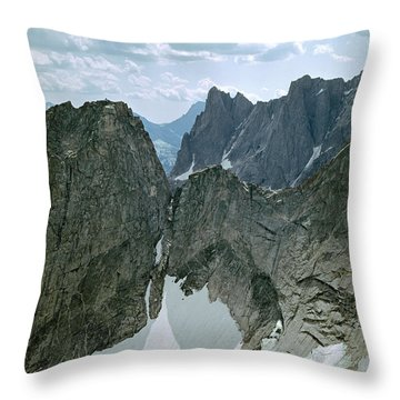 209615-cirque Of Towers, Wind Rivers, Wy Throw Pillow