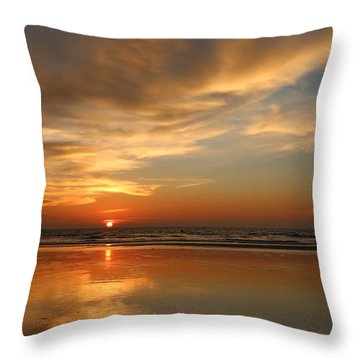 Clam Digging At Sunset - 4 Throw Pillow
