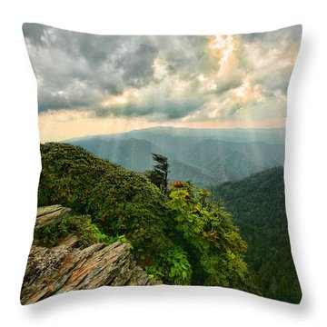 Cliff Tops At Mt. Leconte Gsmnp Throw Pillow