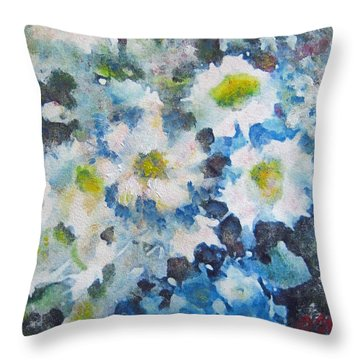 Cluster Of Daisies Throw Pillow by Richard James Digance