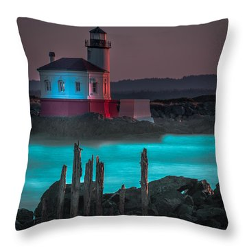 Coaquille Lighthouse Throw Pillow