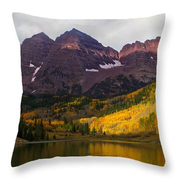 Colorado 14ers The Maroon Bells Throw Pillow