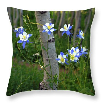 Columbouquet Throw Pillow