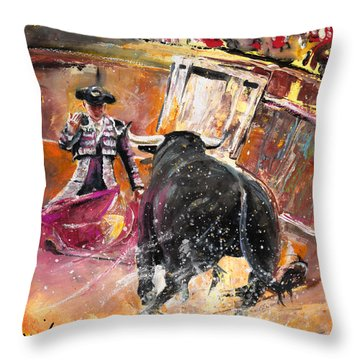 Come If You Dare 02 Throw Pillow