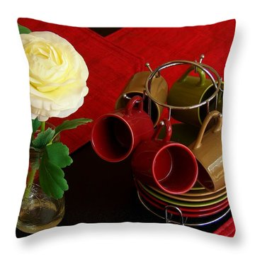 Throw Pillow featuring the photograph Comfort Zone by Rodney Lee Williams