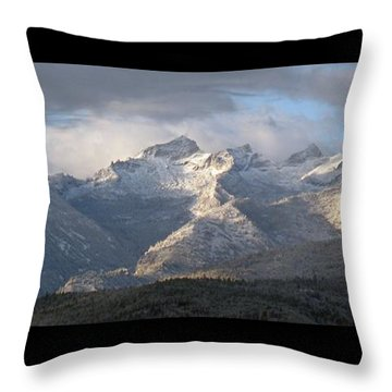 Como Peaks Montana Throw Pillow