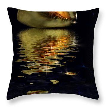 Throw Pillow featuring the photograph Conch Sparkling With Reflection by Peter v Quenter