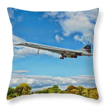Concorde On Finals Throw Pillow