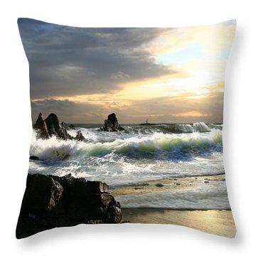 Corona De Oro Throw Pillow