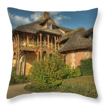 Cottage Versailles Throw Pillow