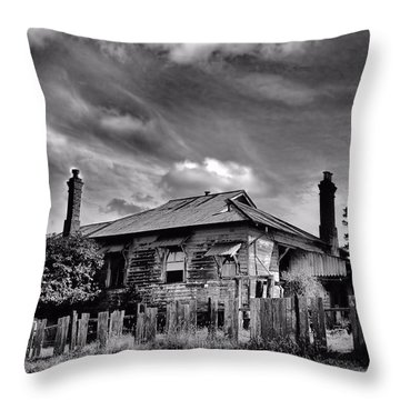 Throw Pillow featuring the photograph Country Mansion by Wallaroo Images