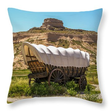 Throw Pillow featuring the photograph Covered Wagon At Scotts Bluff National Monument by Sue Smith