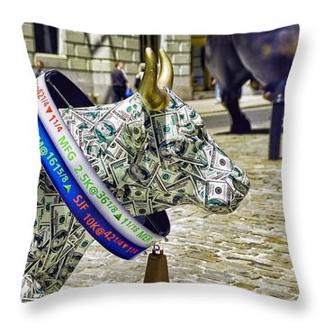 Cow Parade N Y C  2000 - Live Stock Cow Throw Pillow