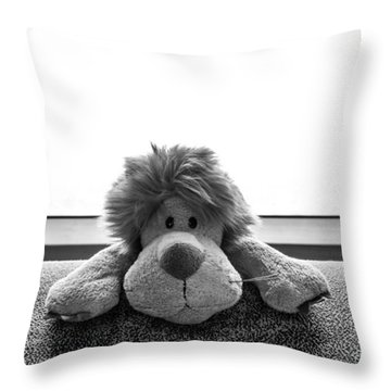 Curious Leo Throw Pillow