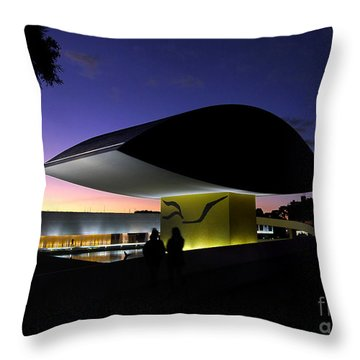 Curitiba - Museu Oscar Niemeyer Throw Pillow