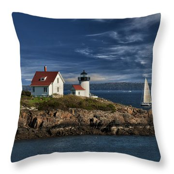 Curtis Island Lighthouse Maine Img 5988 Throw Pillow