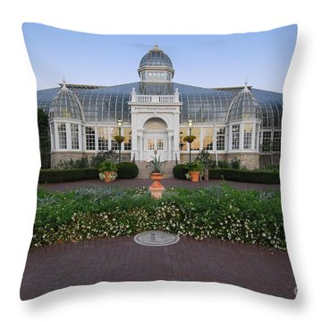 D5l-79 Franklin Park Conservatory Throw Pillow