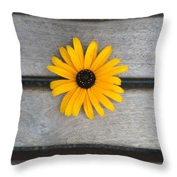 Daisy 3 Throw Pillow