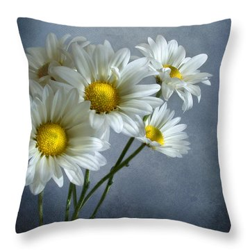 Daisy Bouquet Throw Pillow