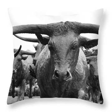 Dallas Texas Pioneer Plaza Longhorn Cattle Drive Bronze Sculpture Black And White Throw Pillow by Shawn O'Brien