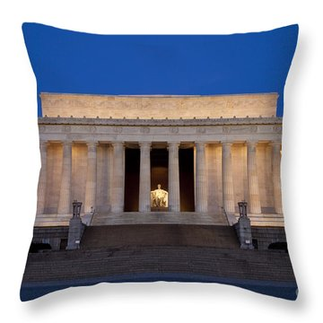 Dawn At Lincoln Memorial Throw Pillow
